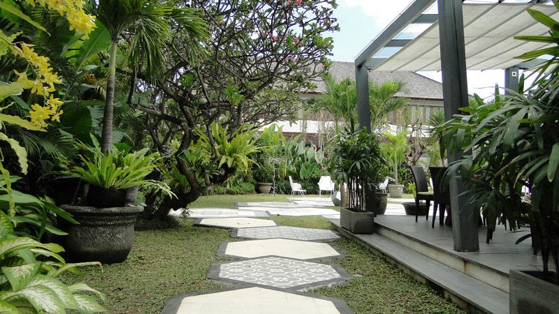 Gartenfliesen in besonderem Design